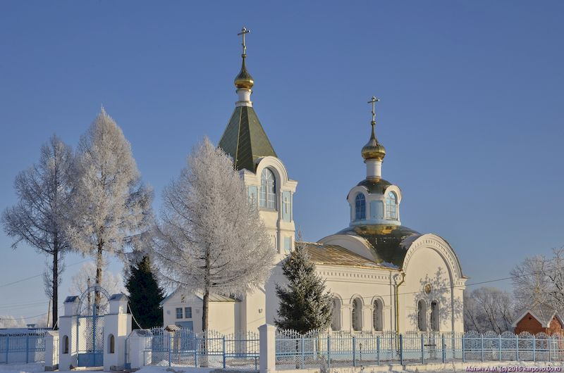 church_at_winter